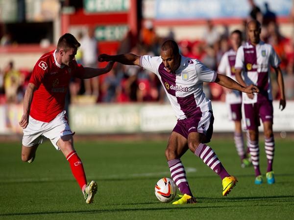 Nhận định trận đấu Crewe Alexandra vs Aston Villa (1h45 ngày 28/8)