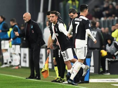 Cristiano Ronaldo bỏ về sớm sau khi bị HLV Sarri thay ra