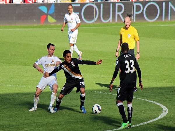 Nhận định trận đấu Swansea vs Fulham (2h45 ngày 30/11)