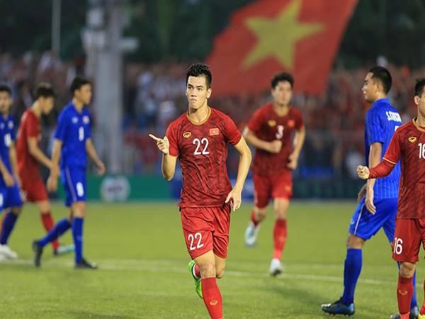 Bóng đá Việt Nam trưởng thành từng ngày bằng tinh thần chiến đấu