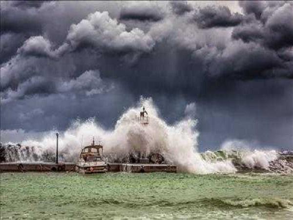 Điềm báo trong giấc mơ thấy bão