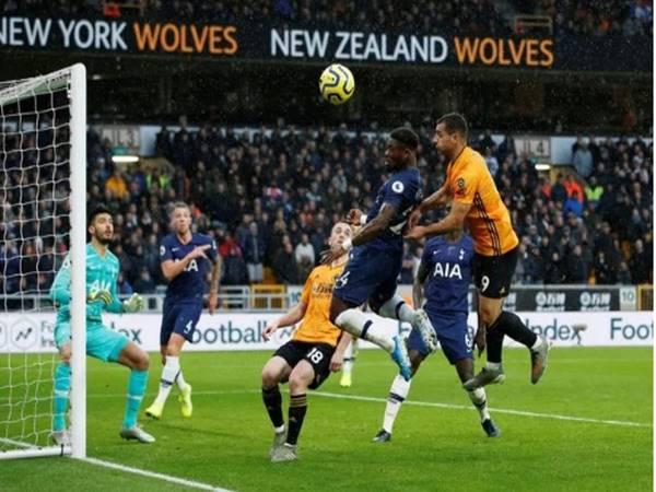 Tottenham có chiến thắng đầy may mắn trước đối thủ Wolverhampton