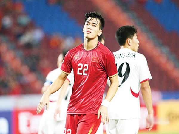 Khoảng trống sau lưng lứa cầu thủ U23 Việt Nam còn non nớt