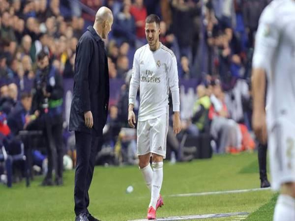 Real Madrid đánh mất ngôi đầu vào tay Barca sau trận thua