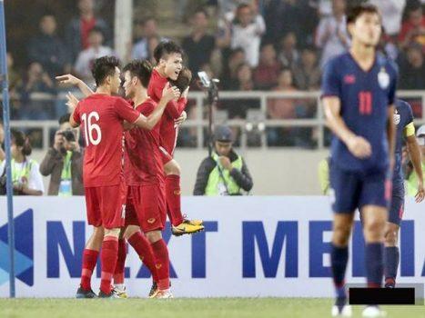Tầm vóc bóng đá Việt Nam thách thức từ Đông Nam Á đến Châu Lục