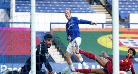 CLB Liverpool hòa may mắn trước đối thủ Everton yếu hơn