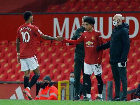 Tin bóng đá 22/2: Man United trình làng sao mai ở trận đấu Newcastle
