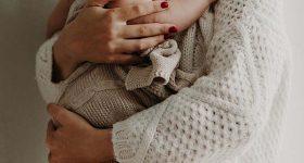 Nằm mơ thấy sinh đẻ – Giải mã ý nghĩa giấc chiêm bao thấy sinh đẻ