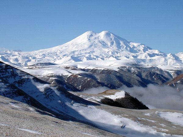 Ý nghĩa giấc mơ thấy núi điềm báo lành hay dữ?