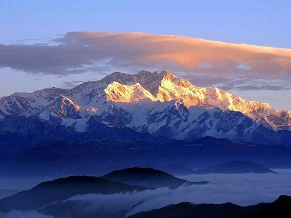 Giải mã giấc mơ thấy núi điềm báo lành hay dữ? Đánh con gì?