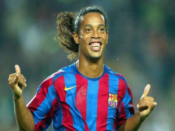 """Ronaldinho là ai? Tiểu sử về """"Ảo thuật gia sân cỏ"""""""