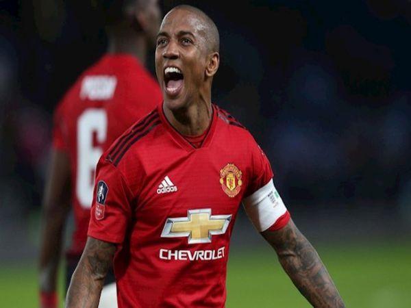 Bóng đá Anh 18/6: Ashley Young trở lại Premier League