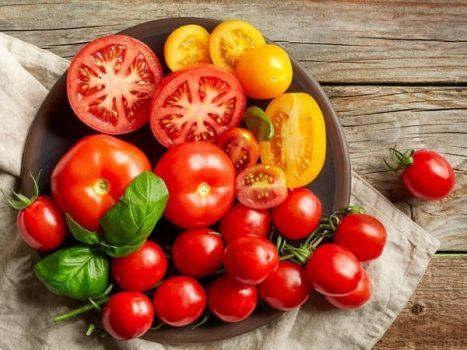 Tổng hợp ý nghĩa giấc mơ thấy quả cà chua đánh con gì?