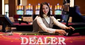 Người chia bài trong casino gọi là gì? Tiền trong casino gọi là gì?