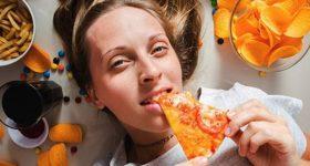 Mơ thấy ăn uống là điềm gì? Đánh cặp số nào ăn chắc?